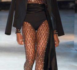 Колготки в сетку с чем носить. Новые тренды модного сезона.