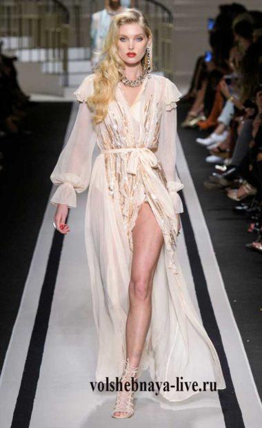 Бежевое платье халат из шифона