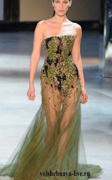 Вечернее прозрачное платье стилизованное под милитари из кутюрной коллекции Александра Вотье