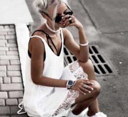 Летнее, белое платье комбинация с кружевом