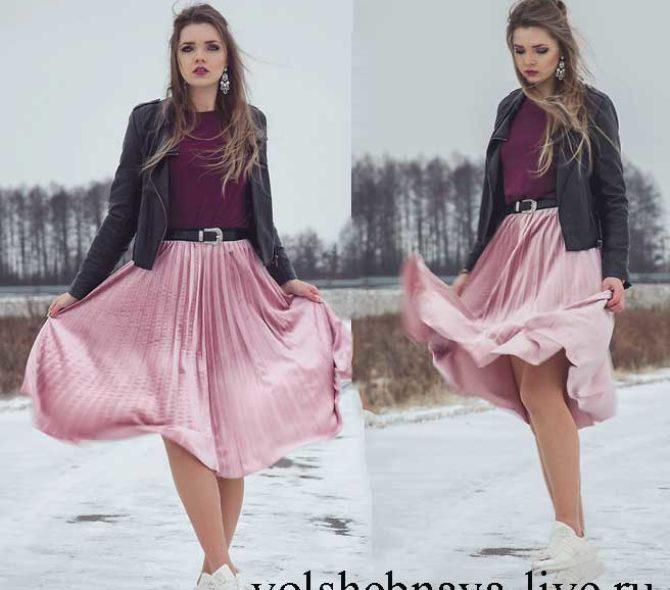 Розовая, плиссированная юбка миди из бархата