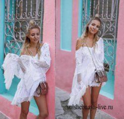Летнее платье с открытыми плечами из белого кружева