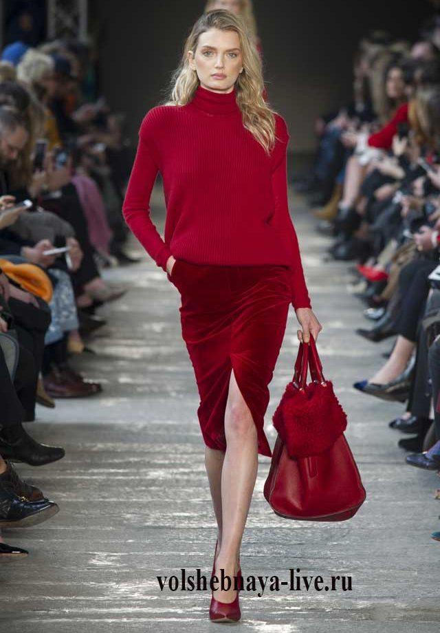 Бархатная юбка рубинового цвет от Max Mara осень 2017 ready to wear
