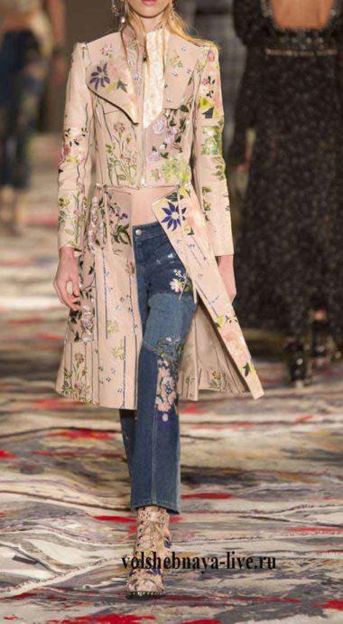 Удлиненный пиджак из кожи с вышивкой