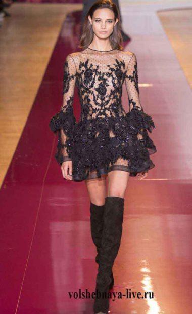 Короткое платье кружевное черного цвета под ботфорты из замши. Зухаир Мурад