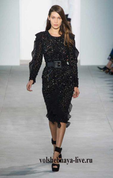 Платье карандаш в пайетках черного цвета Майкл Корс