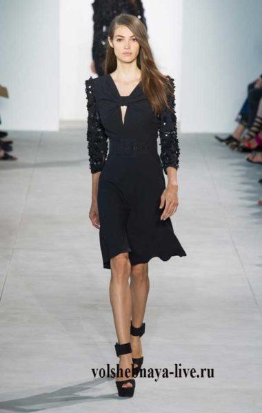Черное миди платье с рукавами из паеток Kors