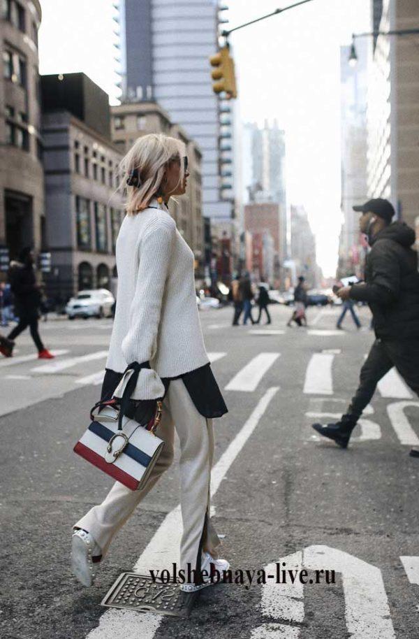 Белый свитер оверсайз свободные брюки с лампасами